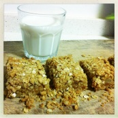 Pear, Cinnamon & Almond Oat Bars