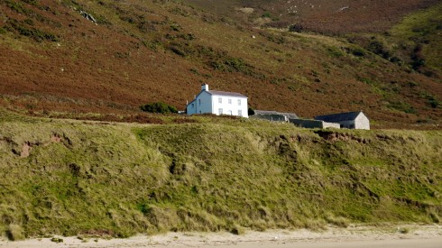 I bloody love this secluded cottage in Rhossili, Gower!